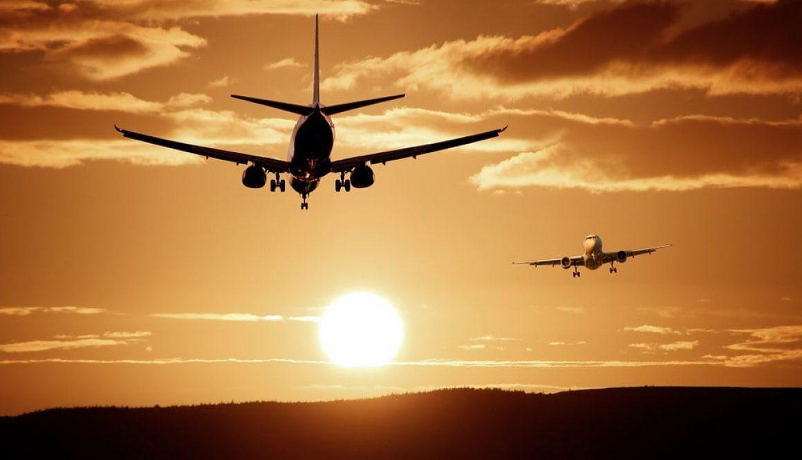 plane-513641_960_720-min