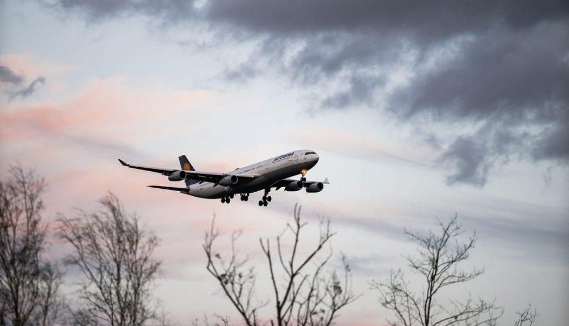 aircraft-4885805_1280-min